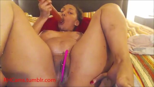 thick redbone twerks, sucks her dildo and fucks her pussy 4