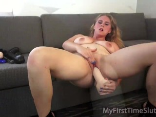 Blonde MILF Stretching Her Pussy