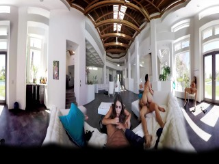 BaDoinkVR.com Amazing Group Sex – A 360° Experience With August Ames