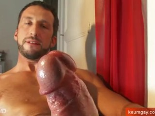 A innocent straight male wank his big cock: Andrea