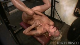 Female bodybuilder continues her leg and pussy workout