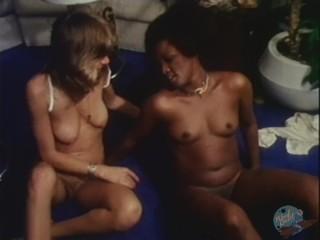 Interracial Lesbian Sex!