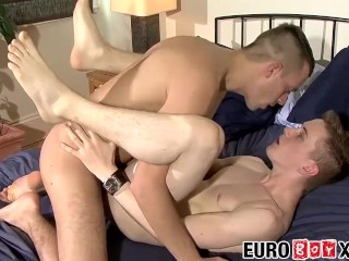 Charlie gets fucked and spunked by Edvards big meat bazooka