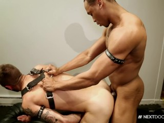 Chris Harder Bends Over for Muscle Hunks Huge Dick!