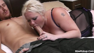 Big tits blonde spreads legs for worker