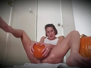 Pumpkin masturbation, Happy Halloween