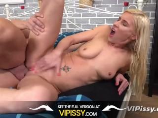 Vipissy - Loving The Taste Of Pee