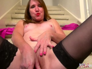 USAwives Horny mature self masturbation with toys