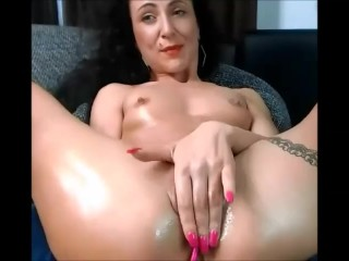 04 Nov 2017 - A smile on my face when I play with my abused pussy
