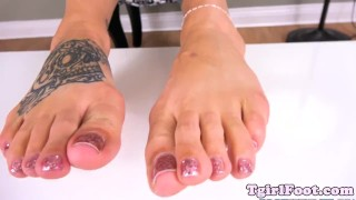 Tattooed her tgirl feet sways amateur tgirlfoot amateur