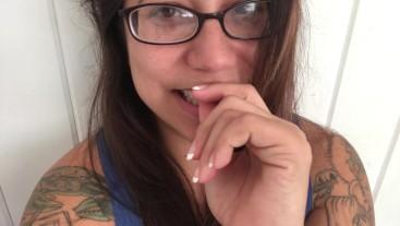 ASMR - Cum on my glasses, please.