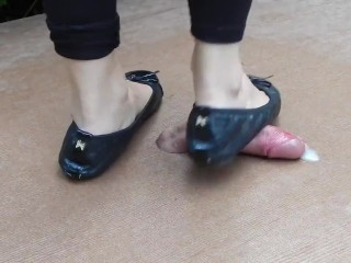Cockcrush dance with lovely feet and balerinas with cumshot