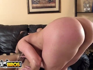 Preview 2 of BANGBROS - Big Ass MILF Kendra Lust Fucked By Juan Largo on Ass Parade