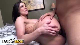 BANGBROS - Big Ass MILF Kendra Lust Fucked By Juan Largo on Ass Parade