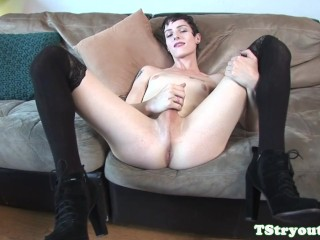 Petite ts casting amateur strokes her dong