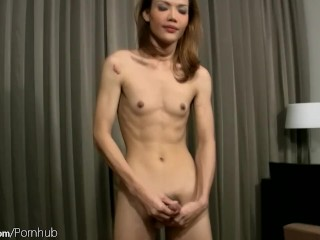Alt pretty asian woman in