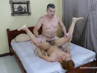 Daddy Bareback Fucks Asian Boy Prinz