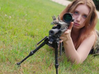 Rambo-style lady posing with sniper rifle, pistol and knife - XCZECH.com