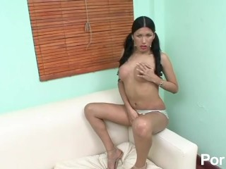 Pig-tailed latina tranny sucks Brazilian cock