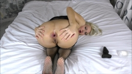 Butt plug Anal Stretching & Farting girl fetish