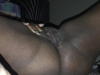 Solo Ebony masturbation