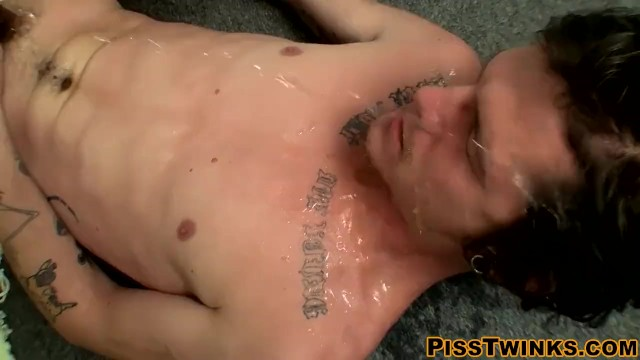 Download Gratis Video Nikita Freaky butt pirate Lex Lane jerks off and takes a piss