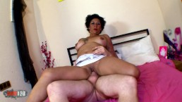 Mature Latina Mexican whore makes first squirting
