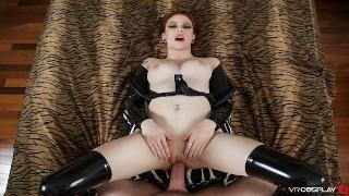 VRCosplayX.com Redhead Anne Deville As Batgirl Wants You Robin