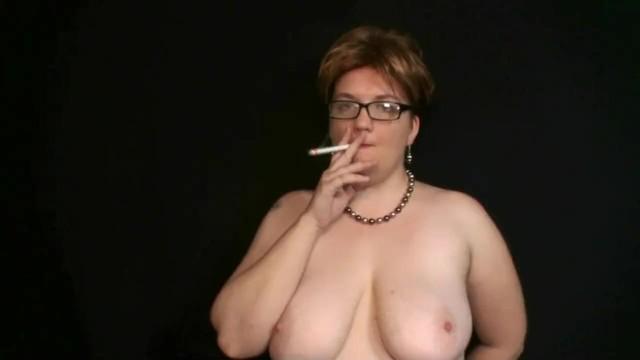 Brattyvikki smoking solo clip 1 16