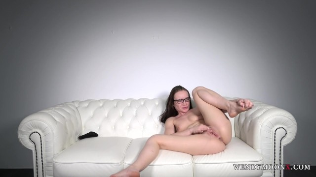 Wendymoonx - Wendy Moon Homemade real selfmade orgasm with hand only 14