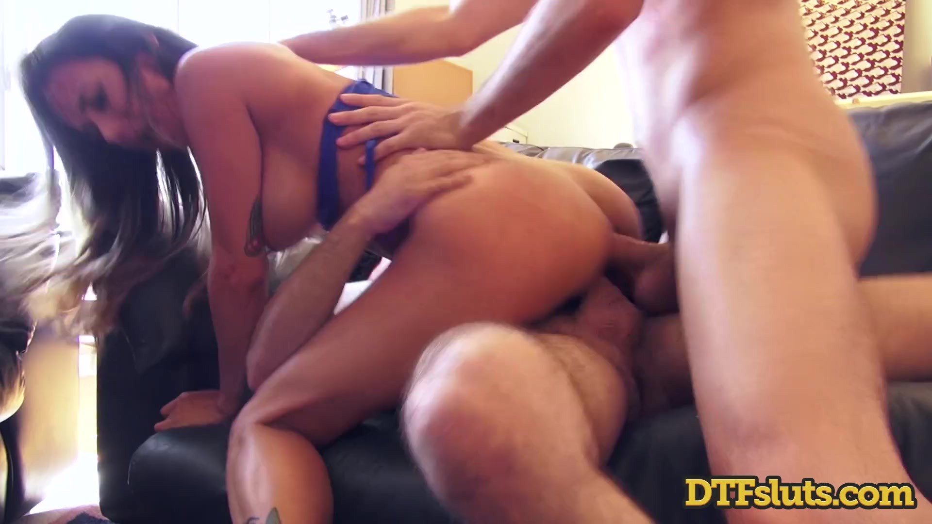 Workers Dp Big Boobs Housewife