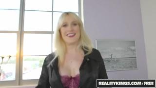 Her shows kiki naturals boobs blonde big milf pa big off load on
