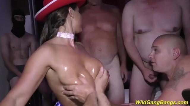 razy Milf Sexy Susi wild party banged 8