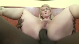 Pawg MILf Shoves BBC In Her Big Ass
