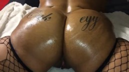 Oiled babes