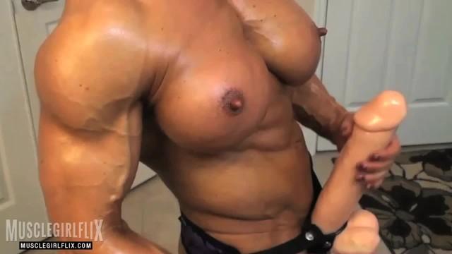 bodybuilders penis więcej)