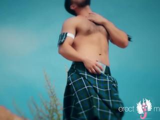 Are scottish men naked under skirt?