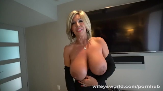 Wifeys Slutty Neighbor Gets Drilled For Xmas  Thumbzilla-9189