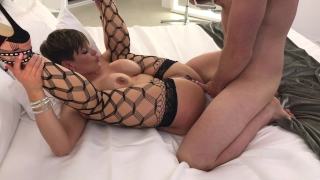 Escort fucks client brooks xxx and sucks escort legs