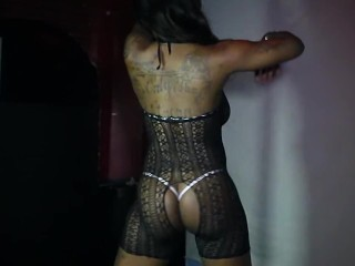 EBONY IN LACE DANCING ON THE POLE