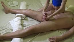 Seksowny masaż dla niego i kontrola orgazmu z finałowym wytryskiem