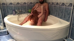 redhead give Valentine's Day bj in bath