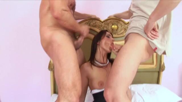 Streaming Gratis Video Nikita Hot Babe Simone Style Threesome Anal Fuck & DP