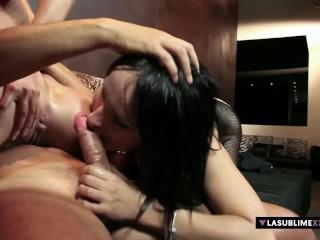 LaSublimeXXX Ragazzo fortunato si scopa Larissa Dee e Leyla Black