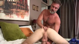 Punizione anale di Bratty Son da Bear StepDaddy!