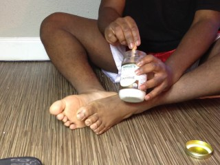 Getting those feet oiled...