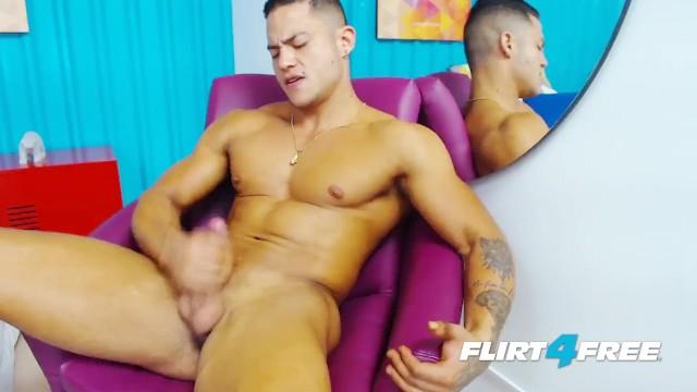 Latino big cock gejów porno