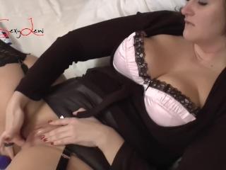 Orgasm on my bed