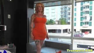 Bigbooty curvy trans twerks n jerks solo