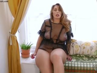 Big Booty British BBW Paige Turnah Masturbates At Sexy Gardener